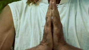 hands_in_prayer_300_169